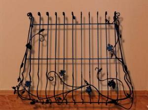 Изготовление и установка металлических решеток