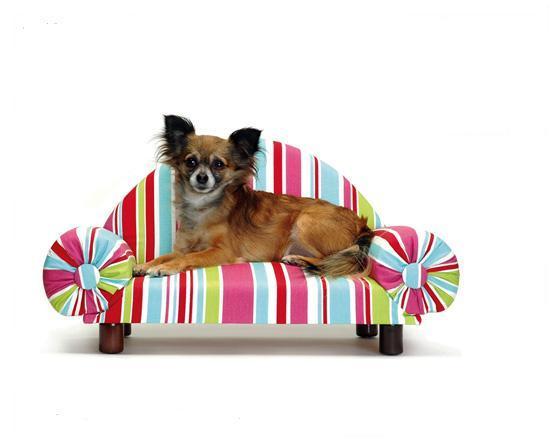 Домики для кошек и мебель для собак