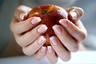 Домашний бизнес: наращивание ногтей
