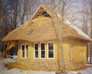 дом из саманного кирпича