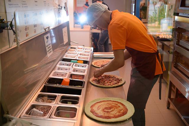 больше воды бизнес-блан изгоиовления доставки суши и пиццы уже октябрь месяц