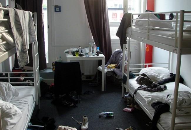 Беспорядок в хостеле