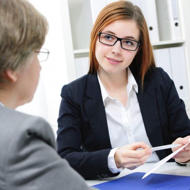 Обсуждение условий трудового договора с будущим сотрудником