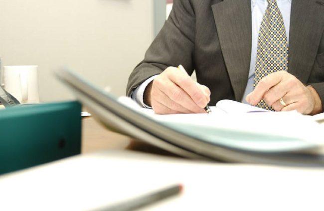 Подписание документов руководителем