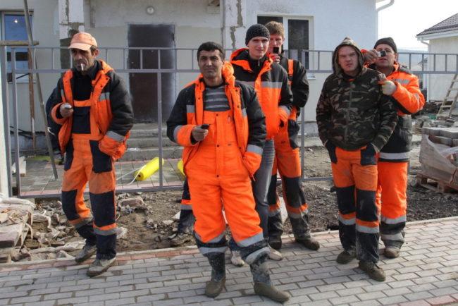 Строители-мигранты