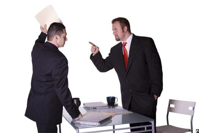Спор мужчин