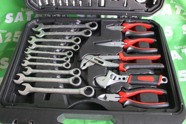 Инструменты в кейсе