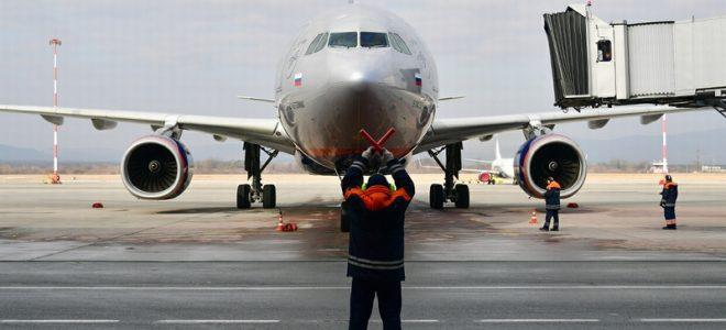Самолет на посадке