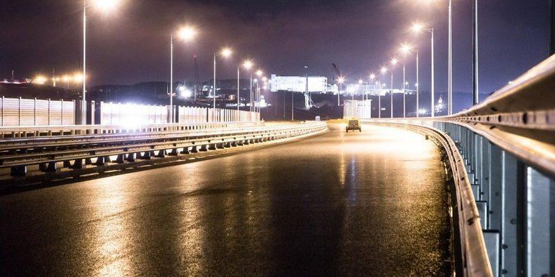 Электрификация Крымского моста