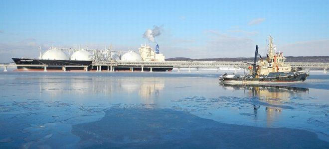 Газовый танкер вблизи Калининграда