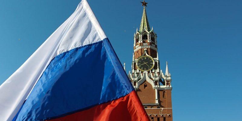 Кремль, флаг России