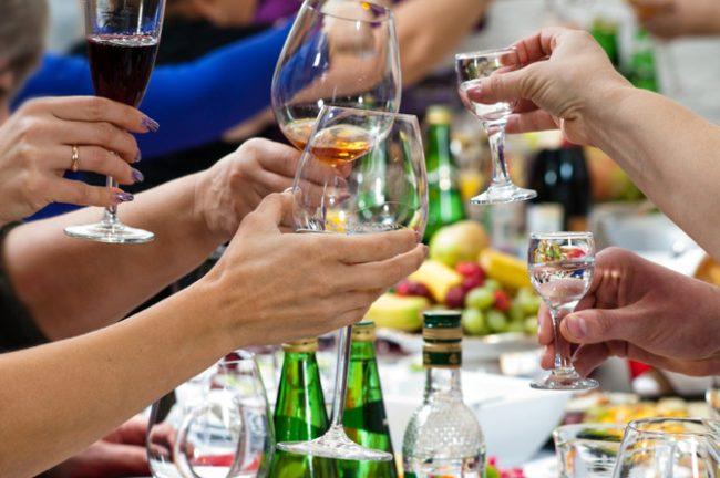 Застолье со спиртным