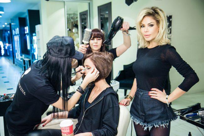 Ольге Бузовой делают макияж и причёску