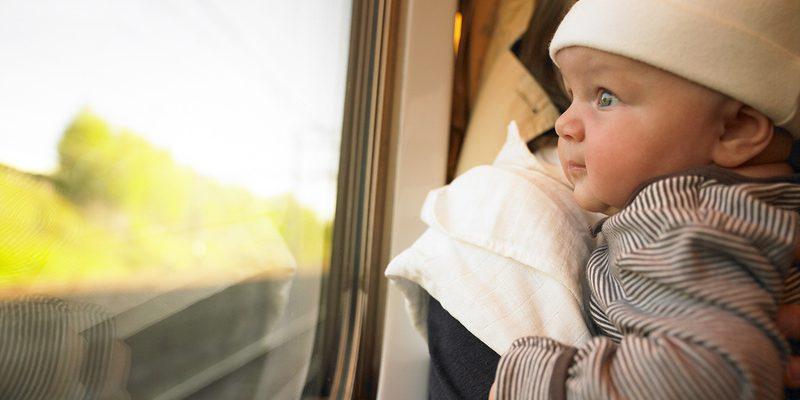 В России упрощены правила перевоза младенцев в поездах