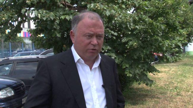 Журналист и телеведущий Андрей Караулов