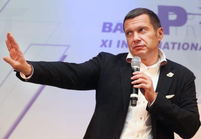 Выступление Соловьёва перед аудиторией