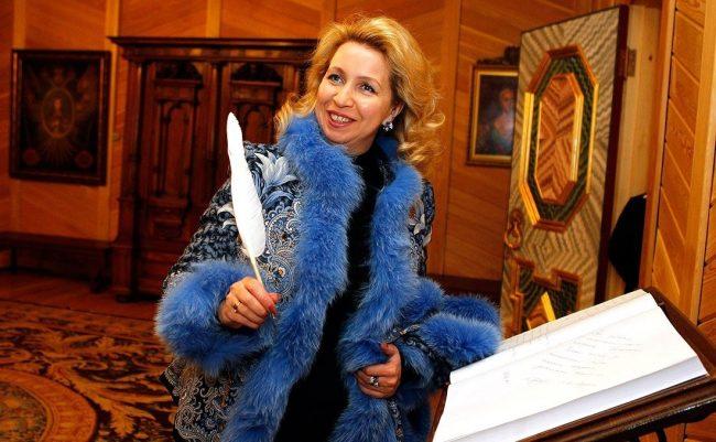 Светлана Медведева в наряде от Юдашкина