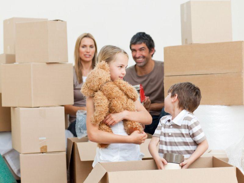Что нельзя оставлять в квартире при переезде и почему приметы и практические советы