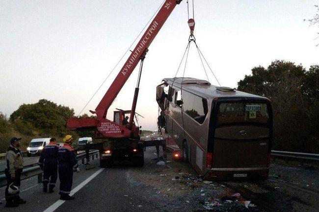 Водитель разбившегося Новороссийского автобуса заснул за рулем