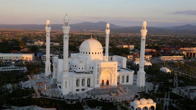 Самая большая мечеть Европы
