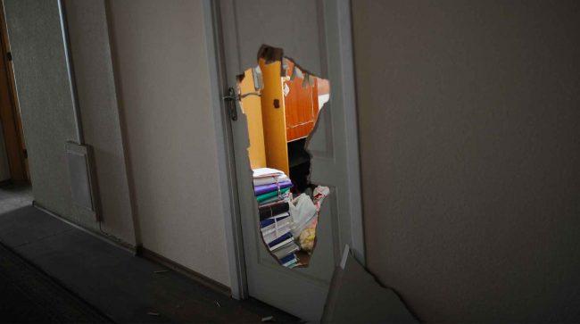 Приставам могут разрешить ломать дверь для проверки перепланировки