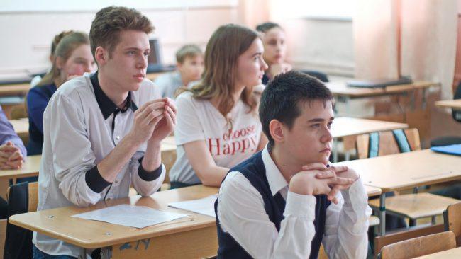 Новосибирским школам запретили «звонки для учителя»