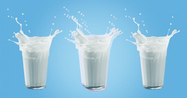 стаканы молока