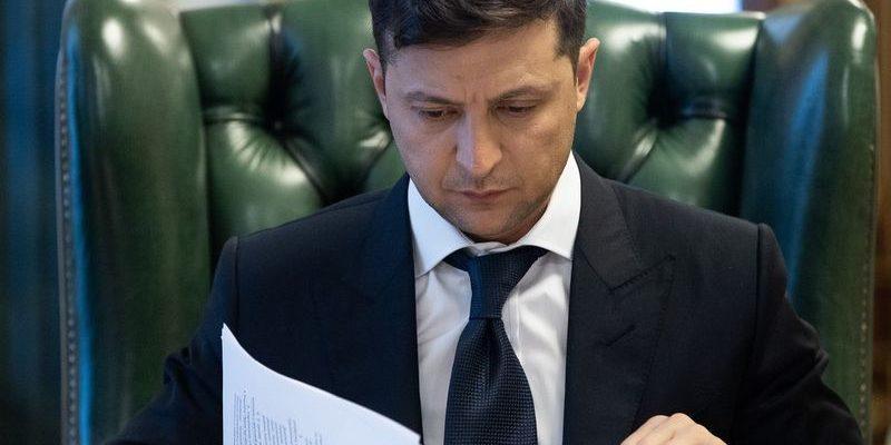 На Украине требуют опубликовать стенограммы разговоров Зеленского с Путиным