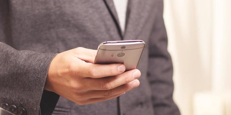 Водительские права можно будет предъявить со смартфона