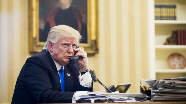 Трамп рассказал, кто просил его позвонить Зеленскому