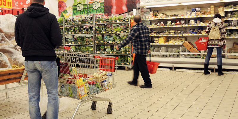 Блогеры сравнили цены в российских и украинских магазинах