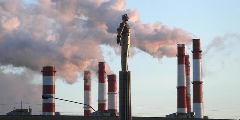 Россиян предупредили о росте тарифов ЖКХ из-за углеродного сбора
