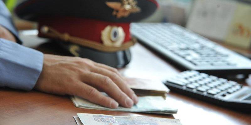 Российский следователь попался на взятке в 19 миллионов рублей и избежал ареста